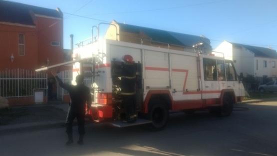 Bomberos controlaron principio de incendio en vivienda