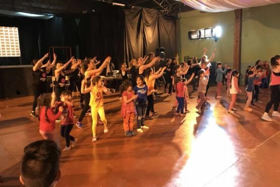 Jornada social y recreativa para toda la familia en Gobernador Gregores