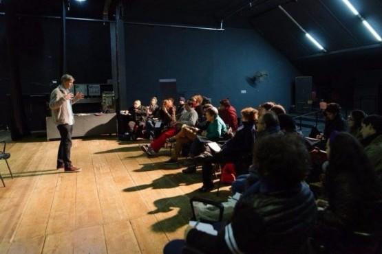 Acciones que promueven y fortalecen la actividad teatral de Santa Cruz