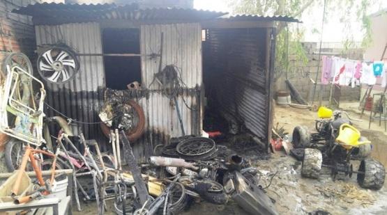 Una mujer y su hijo hospitalizados tras incendiarse un galpón