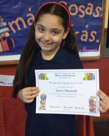Leyó 105 libros y fue distinguida por su colegio