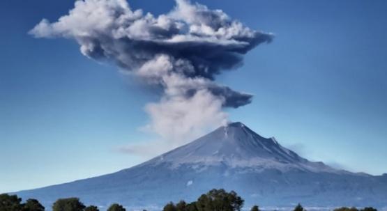 El volcán Popocatépetl de México entró en erupción tres veces en 24 horas