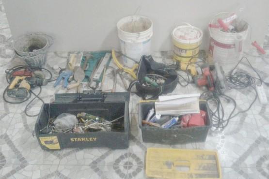 Un menor fue detenido por el robo de un auto y herramientas