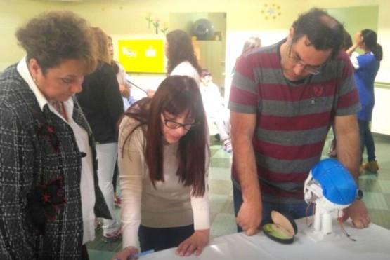 Escuela Especial recibe impresora 3D