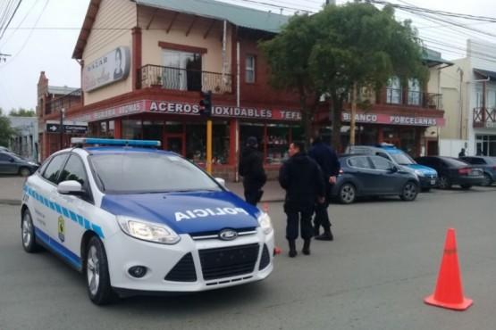 Se investiga robo y homicidio en pleno centro riogalleguense