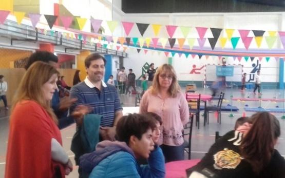 """Chicos y grandes participaron del """"Santa Cruz se Mueve"""""""