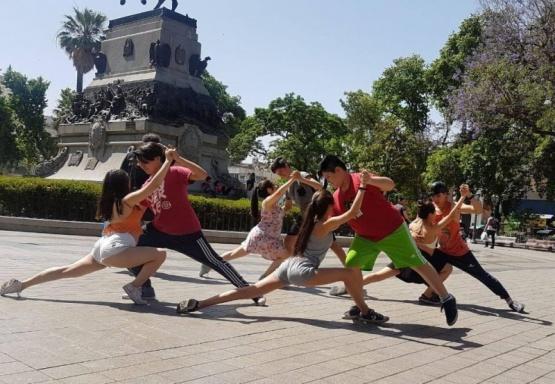 Tres delegaciones de la Escuela Provincial de Danzas compiten en el país
