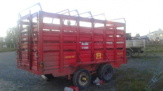 Un sujeto fue demorado y se recuperó un carro ganadero en un allanamiento