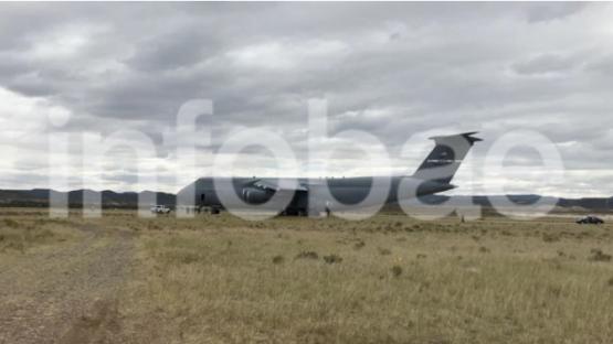 Uno de los aviones militares más grandes del mundo se sumó la búsqueda