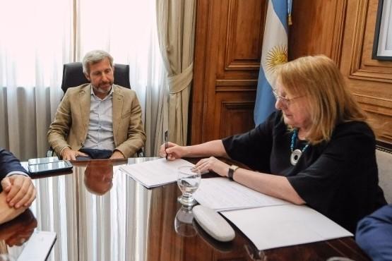 Santa Cruz firmó la adhesión al Consenso Fiscal