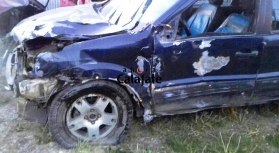 Robó un auto, corrió picadas y volcó