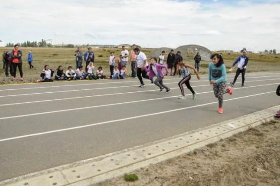 Llevan a cabo Torneo Provincial de Atletismo