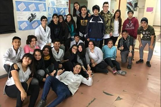 El ARA San Juan se introdujo en los salones de clase