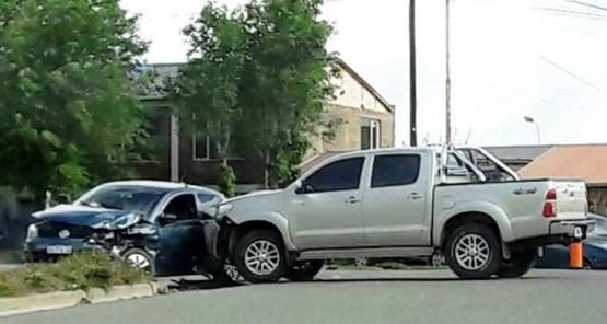Conductor trasladado al hospital por fuerte colisión