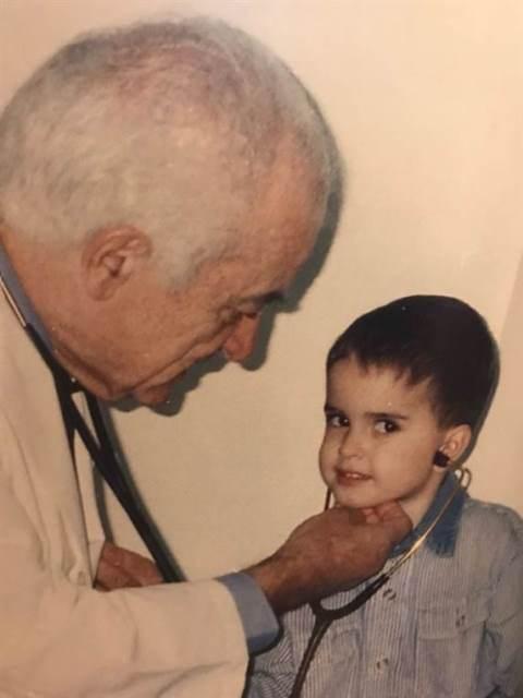 Tiene 91 años, es médico jubilado y va al Hospital Fernández ad honorem todos los días