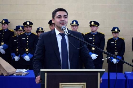 """De La Torre: """"Egresaron nuestros oficiales con Uniforme y Equipamiento completo"""""""