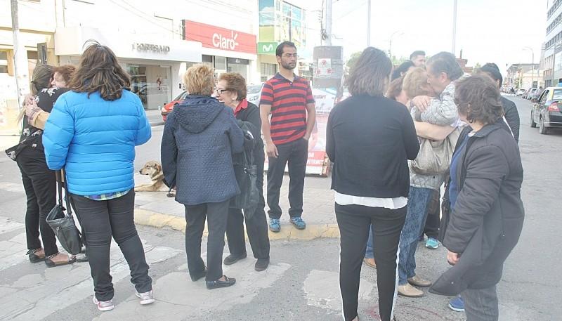 La marcha finalizó en el mástil mayor del cruce de las avenidas San Martín y Kirchner. (J.C.C.)