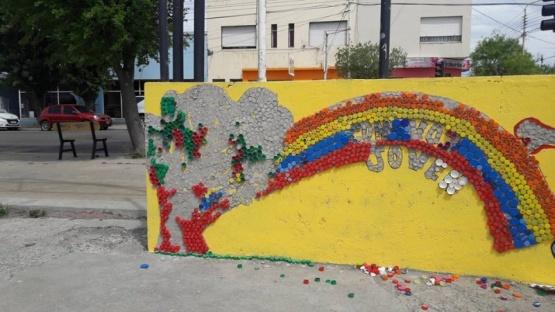 No duró dos días: destruyeron mural artístico