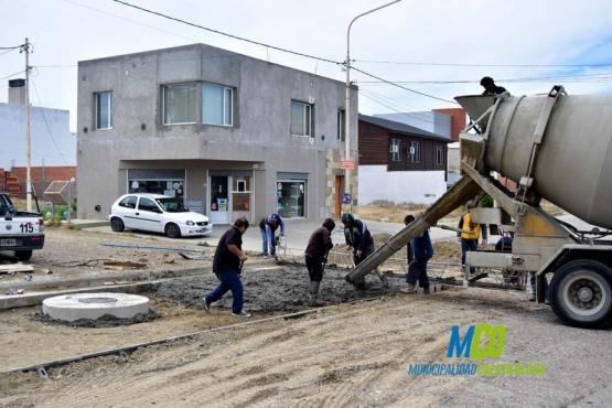 Piden a automovilistas precaución por obras de bacheo