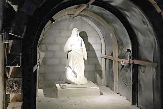 La gruta está ubicada en Mina 2.