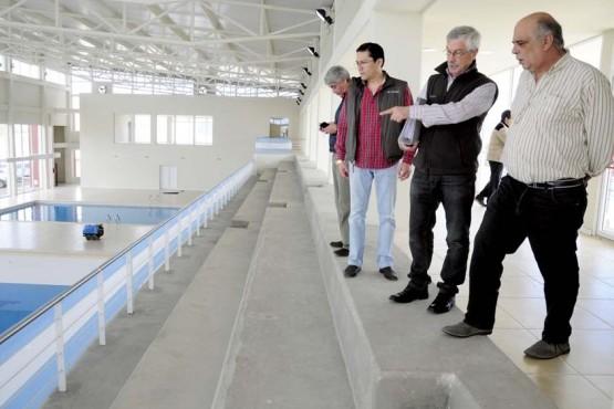De las denuncias por el natatorio a realizar el bacheo por $30 millones