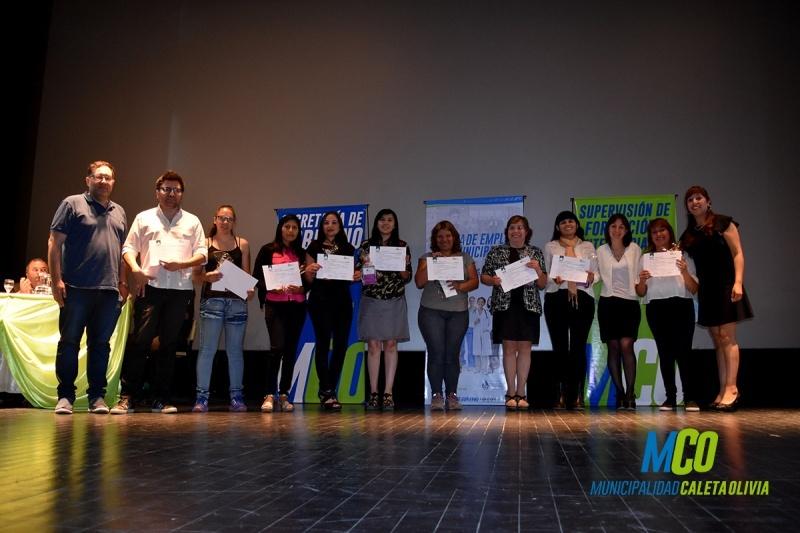 Entregaron certificados de los cursos de la oficina de empleo for Oficina de empleo cursos