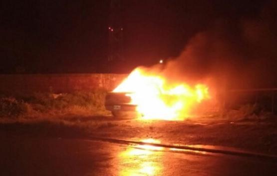El incendio ocurrió sobre Avenida Parque Industrial.