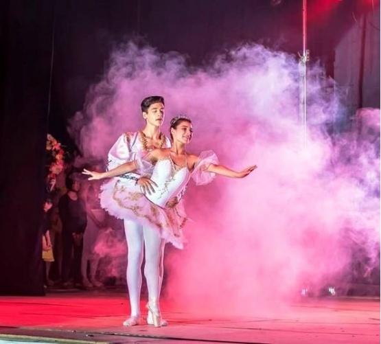 El bailarín Octavio Juárez se capacitará en el Teatro Colón