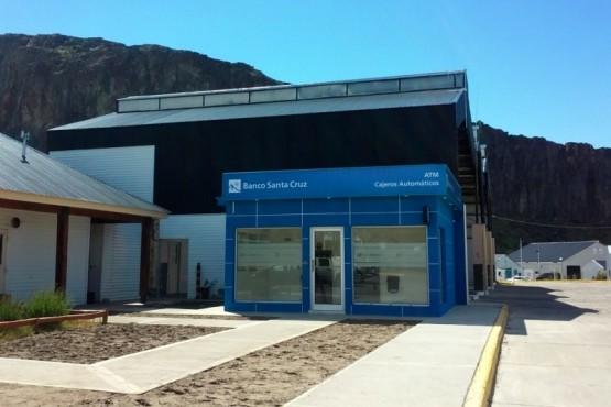 Ya están activos los nuevos cajeros en El Chaltén