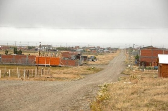 Entregaron certificados a adjudicatarios de terrenos del San Benito