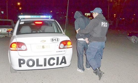 Un colombiano fue detenido por mostrar su miembro a tres menores
