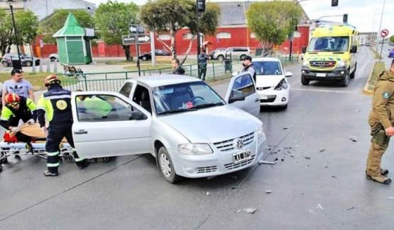 El accidente fue en el cruce de las Avs. Costanera e Independencia