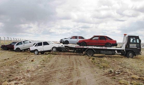 Trasladan autos secuestrados al nuevo playón en el Automóvil Club