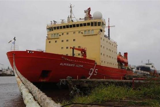 El rompehielos Irízar zarpó hacia la Antártida