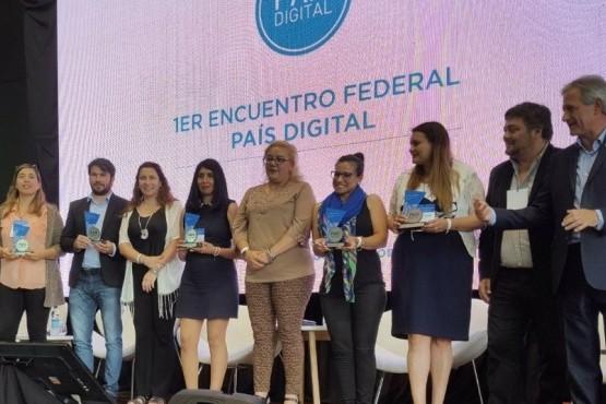 La biblioteca Kunfi Quirós fue reconocida en el Primer Encuentro de País Digital