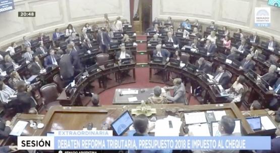 Cruz negó que diputados y senadores de Cambiemos vayan a apoyar todas las leyes de Macri