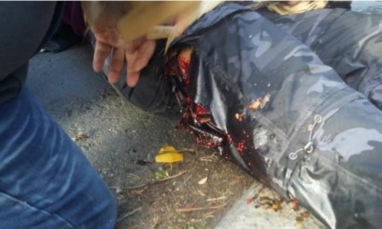 La docente herida admitió que el efectivo apuntó al piso