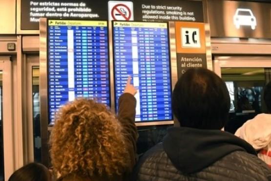 Demoras en vuelos en Aeroparque y Ezeiza por medida gremial