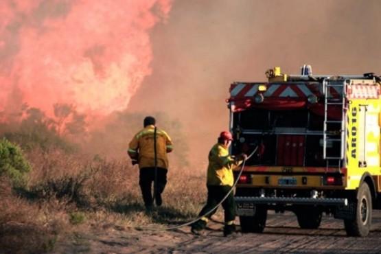 Operativos por incendios en tres provincias del país