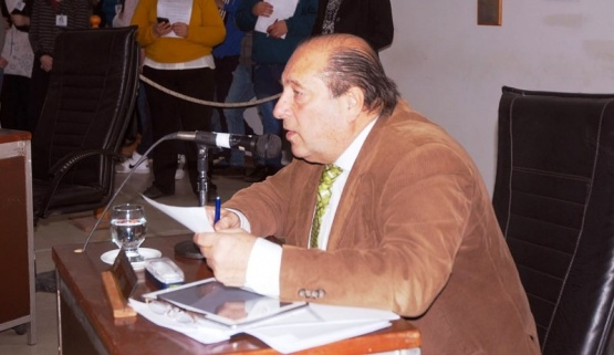 """Scippo apuntó a Costa por """"el silencio cómplice y antipopular"""""""