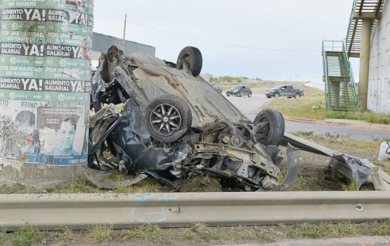 Lesiones leves sufrieron los jóvenes protagonistas de espectacular accidente
