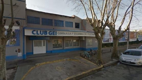 Boqueteros roban 2 millones de pesos de un club de barrio