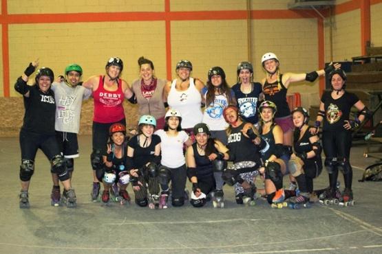 Liga estadounidense de Roller Derby entrenó junto a Erráticas en El Calafate