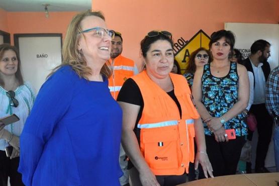 Koluel Kaike con la Gobernadora y visita a la cementera de Pico Truncado