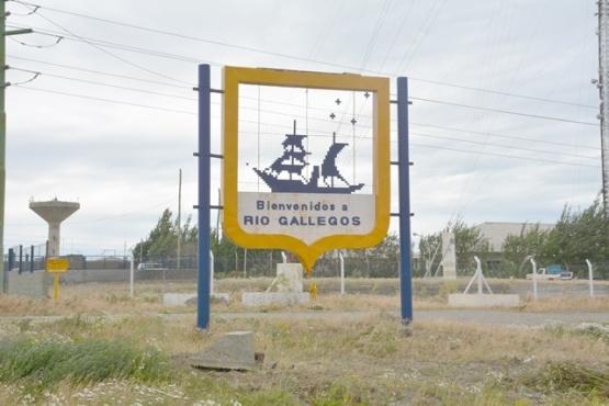 Enrique restaurará el escudo de Río Gallegos