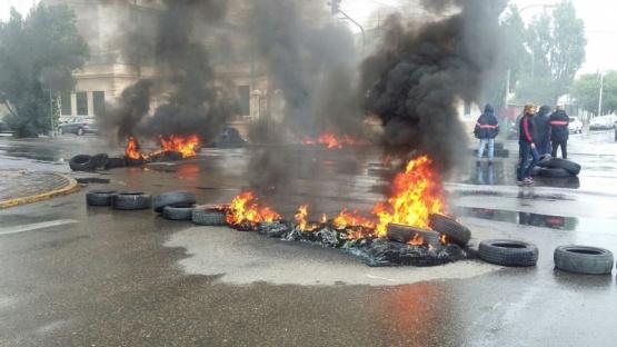 La Justicia notificó al SOEM que cese la quema de cubiertas