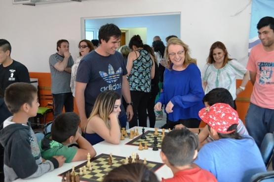 Se realizó encuentro recreativo con la Escuela de Ajedrez de Koluel Kayke