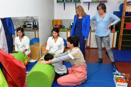 """Alicia encabezó reunión de trabajo en el Centro Educativo """"Ángeles Especiales"""""""