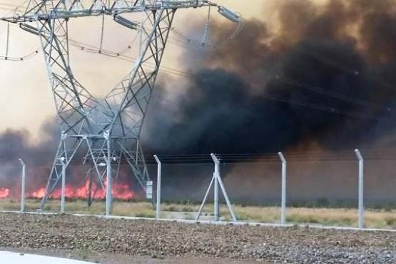 Un incendio en Madryn podría ocasionar cortes de luz en la provincia