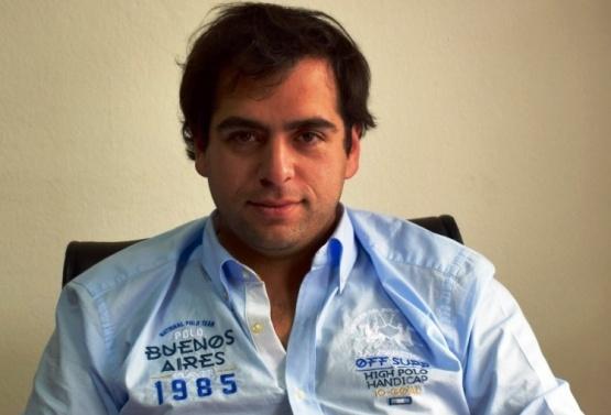 Gómez insistió en achicar la planta del Estado.